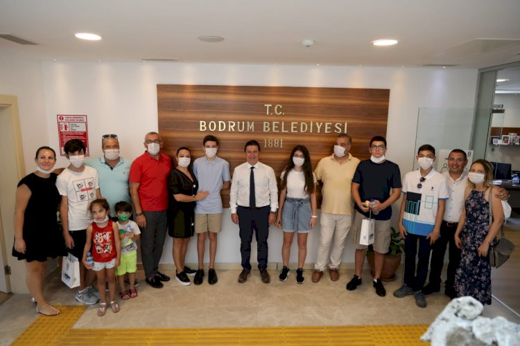 LGS Sınavında Derece Alan Öğrencilere Bodrum Belediyesi'nden Burs Desteği