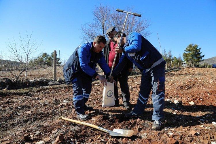 Toprağın, Suyun Analizi Yapılıyor, Üretici Bilinçli Üretim Yapıyor
